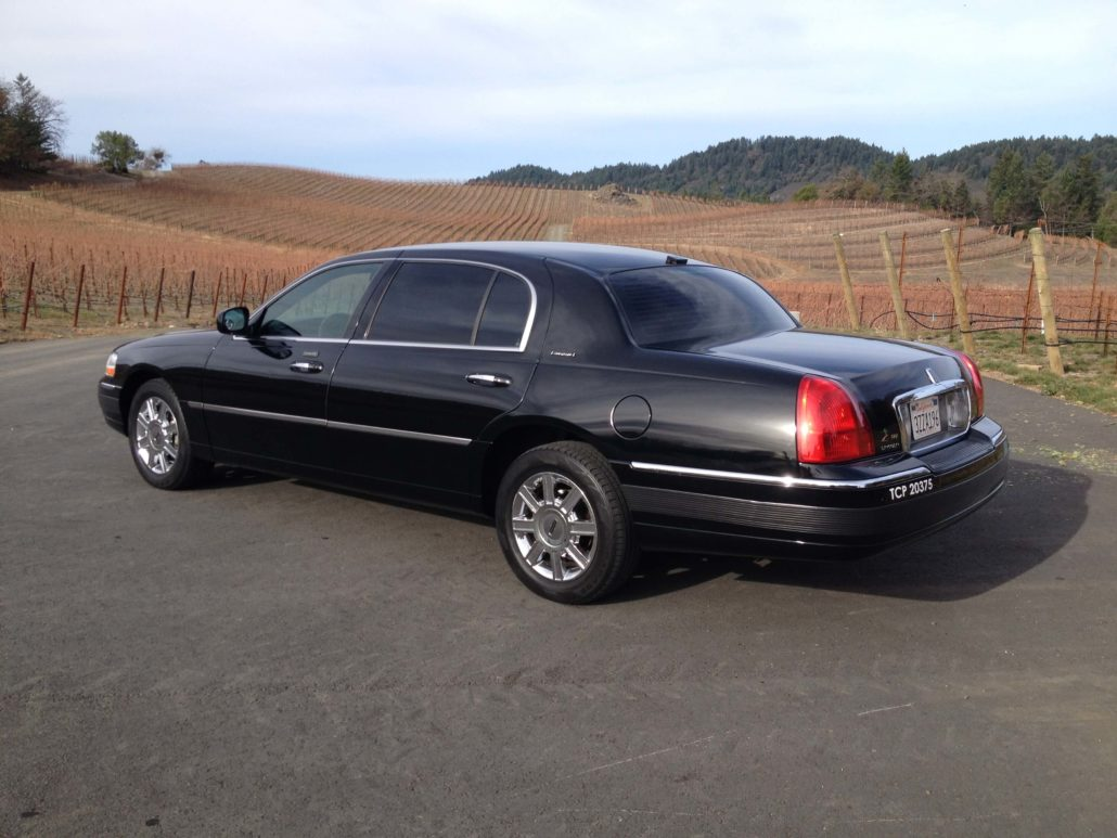 Lincoln Town Car L Series Amax Limo